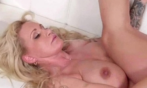 Nasty Housewife (ryan conner) Ride Huge Dick In the sky Cam mov-23